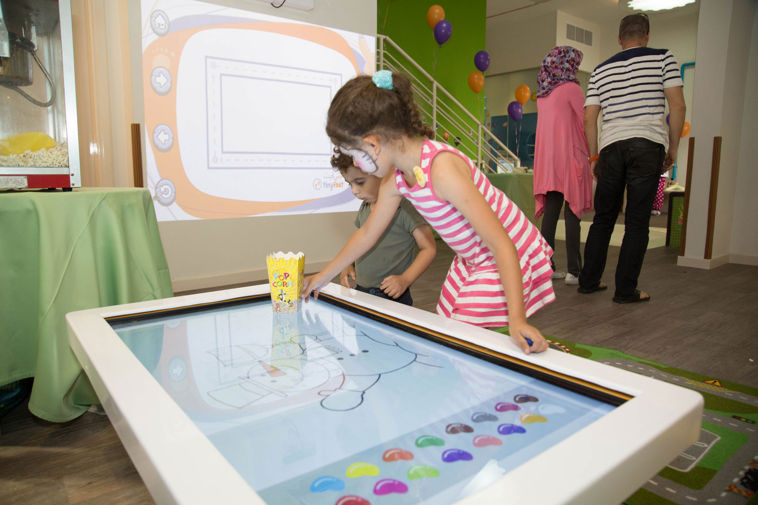 multitouch-interactive-displays-tiny-feet-activation